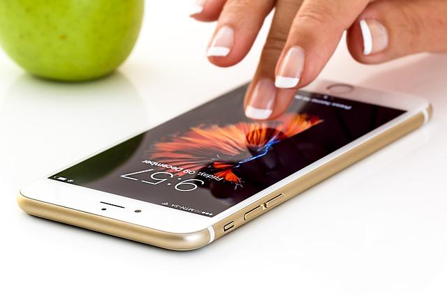 Kryt na mobil z plechovky