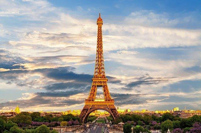 Hor sa do Paríža!