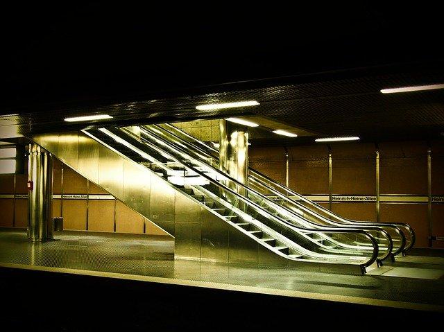 Nový koncept eskalátora, navrhovaný na letiskách
