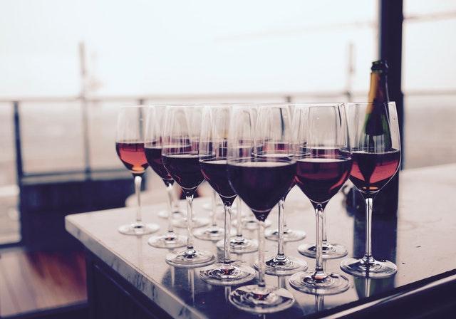 Víno ako darček? Dodajte mu šmrnc