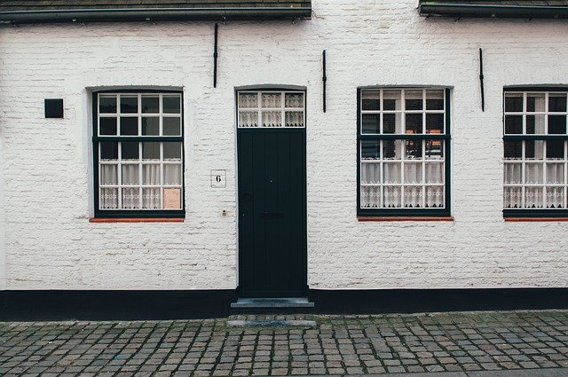 Výhody a nevýhody kamenného obkladu na rodinnom dome