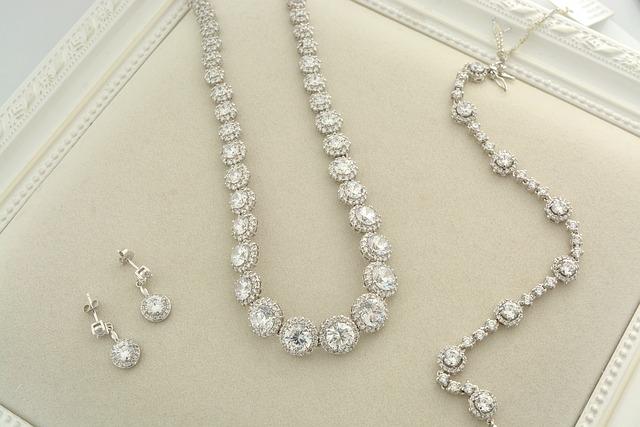 jewellery-4040791_640